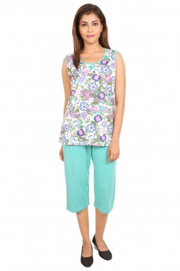 Blooming floral turquoise capri-set